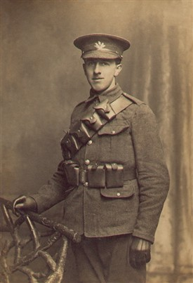 Photo:Frank Drakes in his South Notts Hussars uniform, 1914-15