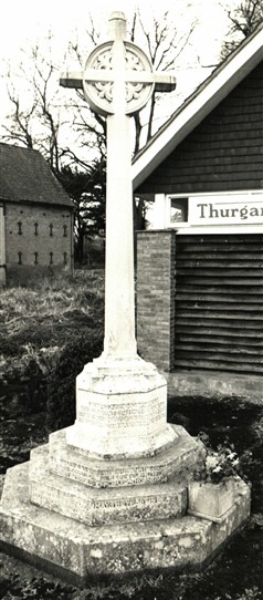 Photo:Thurgarton War Memorial