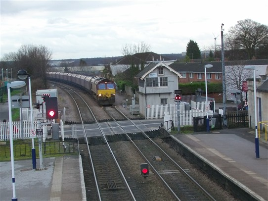 Photo:Coal train approaching Worksop station from the west