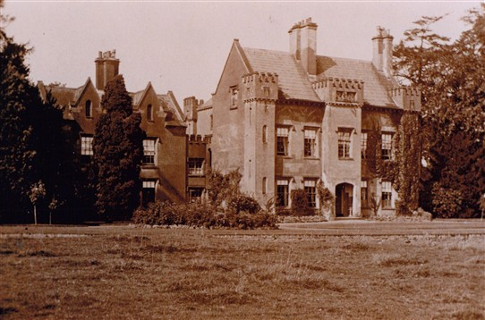 Photo:Bleasby Hall in the early 20th century