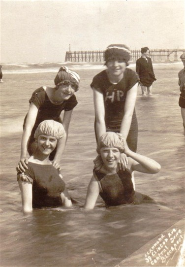 Photo: Illustrative image for the 'Photo of Sutton-in-Ashfield family on holiday in Blackpool' page