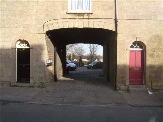 Photo:Entrance to Parmenter's Yard