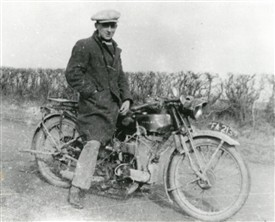 Photo: Illustrative image for the 'A Henley Motor Cycle at Elston' page