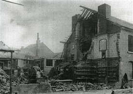 Photo:Newthorpe Street, Nottingham, following a Zeppelin Raid on the city on 23rd Sept 1916