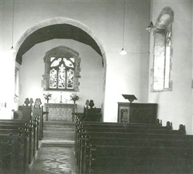 Photo:Interior of Kirklington church, with pulpit.