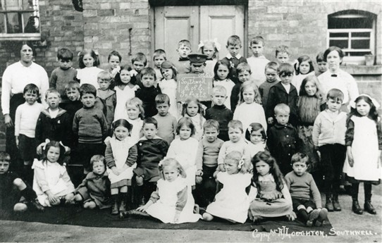 Photo:Southwell CofE Infants, October 1915