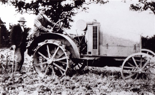 Photo: Illustrative image for the 'Wartime tractor at Caunton' page