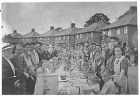 Photo:VE day street party