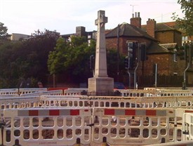 Photo:War Memorial Cross, Beeston