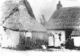 Photo:Two views of the cottages of 'Little Lunnon' at Scarrington as the appeared in the early 1900s